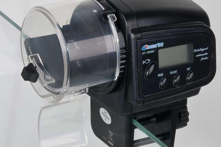 automatischer fütterungsautomat für aquarien